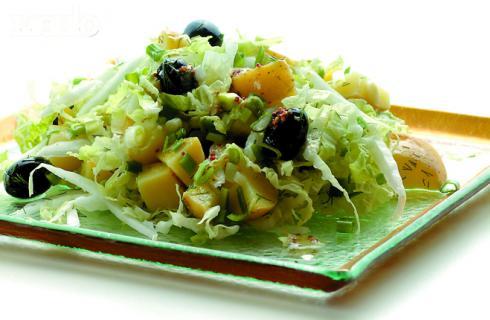 Салат из китайской капусты и картофеля
