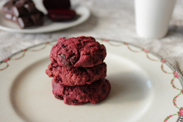 beetroot_choc_biscuits