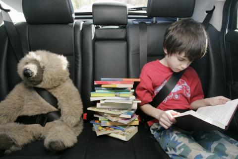 boy_car_read