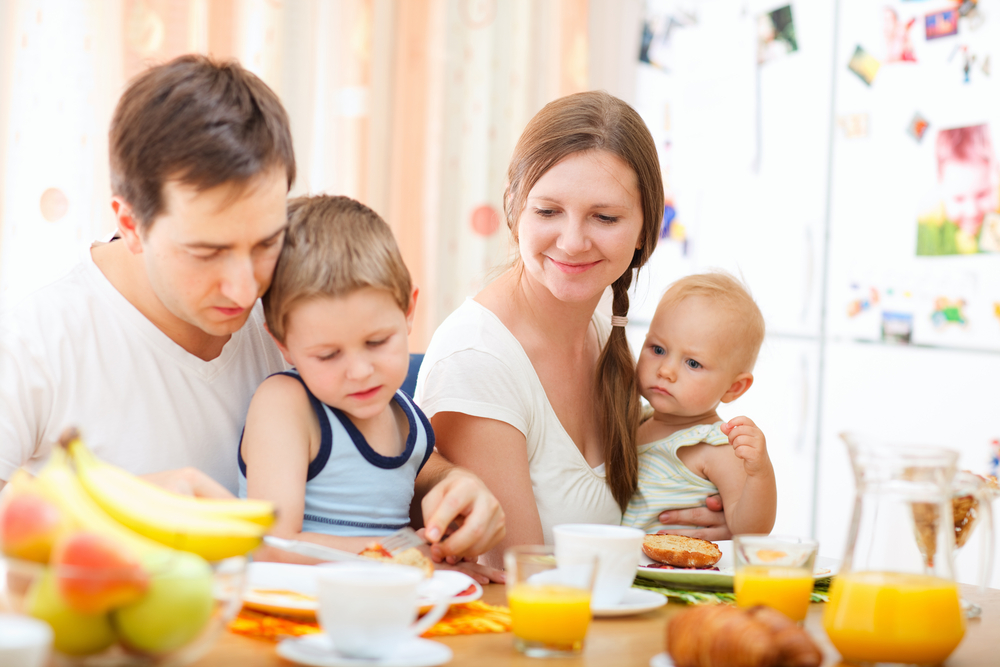 family-breakfast-together