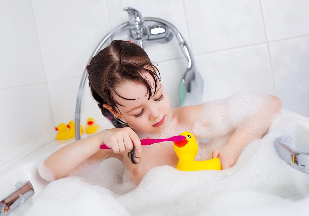 girl-bath