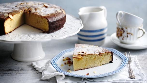 Безглютеновый торт с яблоками и миндалем