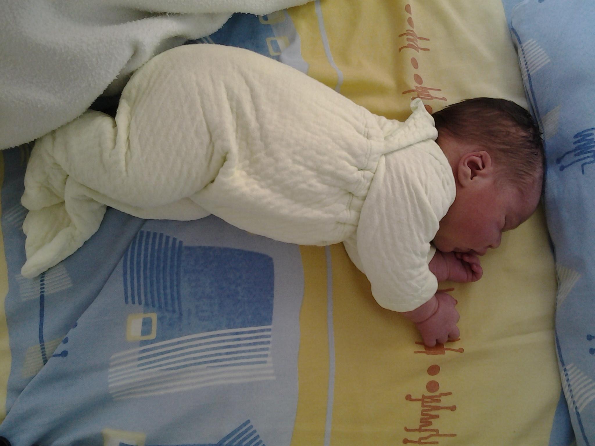 little_big_nora_sleep