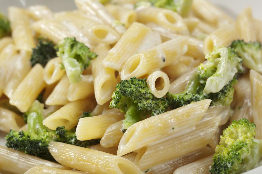 makaroni s brokoli i smetana