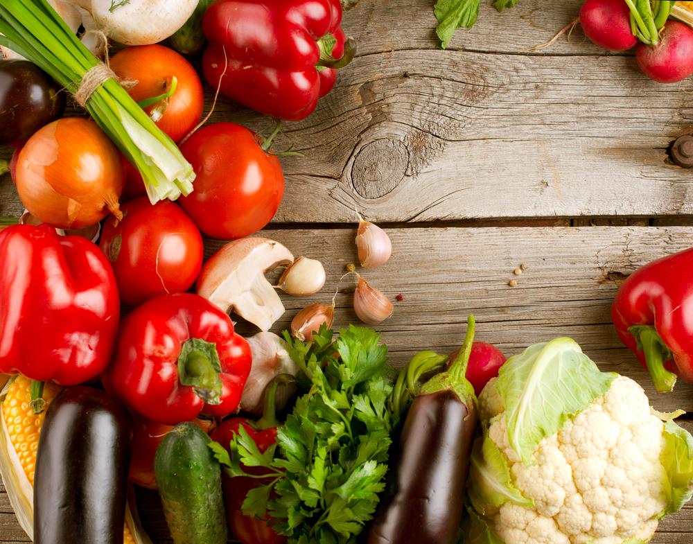 vegetables_wood_table