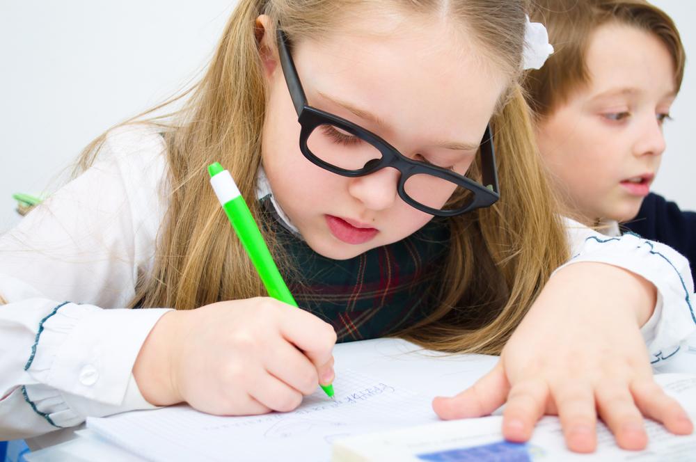 Забавни занимания, с които децата лесно да се научат да пишат