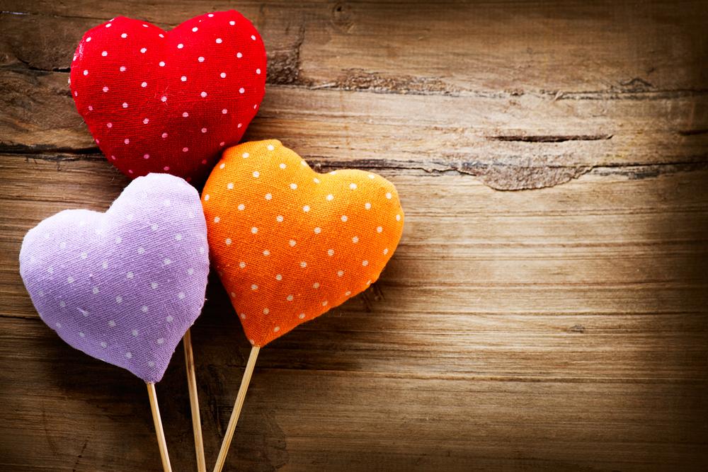 Розово, червено, брокат, сърце – творчески занимания за Св. Валентин