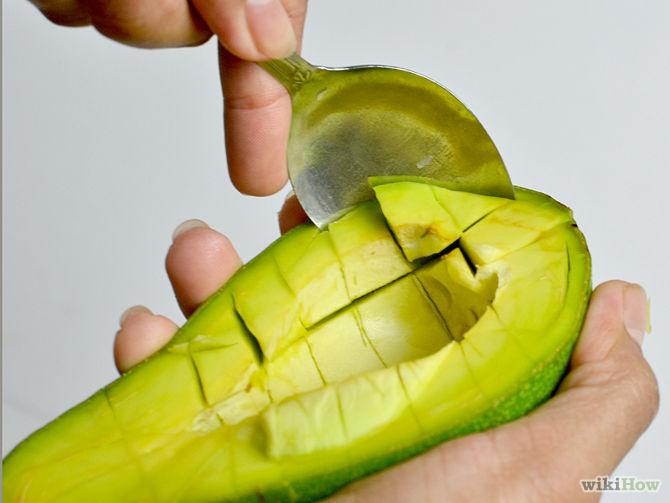 Плодова салата с авокадо (8 месеца плюс)