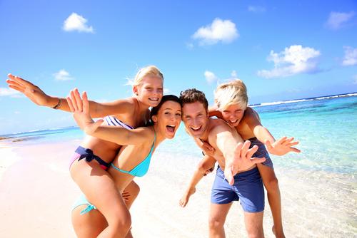 С деца на море – как да се забавляваме с децата на плажа?