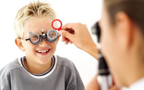 7 признака, че детето може да има проблеми със зрението