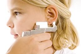 Пробиването на ушите при момиченцата – да или не?