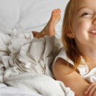 Ранното събуждане и проблемното заспиване при децата – има ли решение?