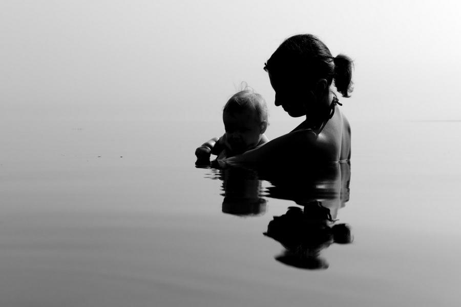 Да си майка на момче: снимки, показващи силната връзка между майките и техните синове
