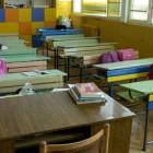 Ученик напуска училището си след протест на родители