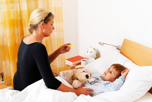 Как да не прекаляваме с грижите и вниманието, когато детето е болно