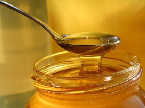 Кога пчелният мед е полезен и кога може да бъде вреден?