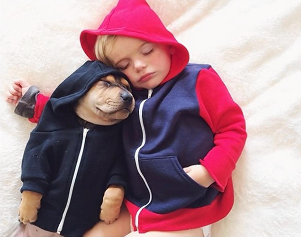 Очарователни снимки, показващи любовта между едно момче и неговото куче