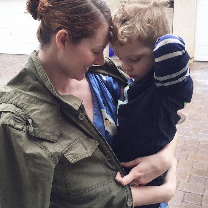 Как едно 3-годишно момче облече майка си