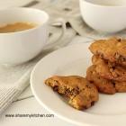 Овесени бисквити с орехи и мед