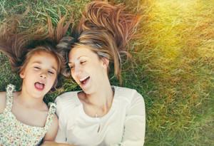 7 типа взаимоотношения майка-дъщеря, които не трябва да следваме