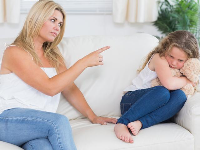 Защо строгото възпитание не е добро за децата ни