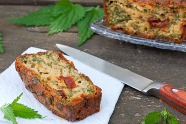 Домашен пролетен хляб със семена и коприва за здраве и тонус