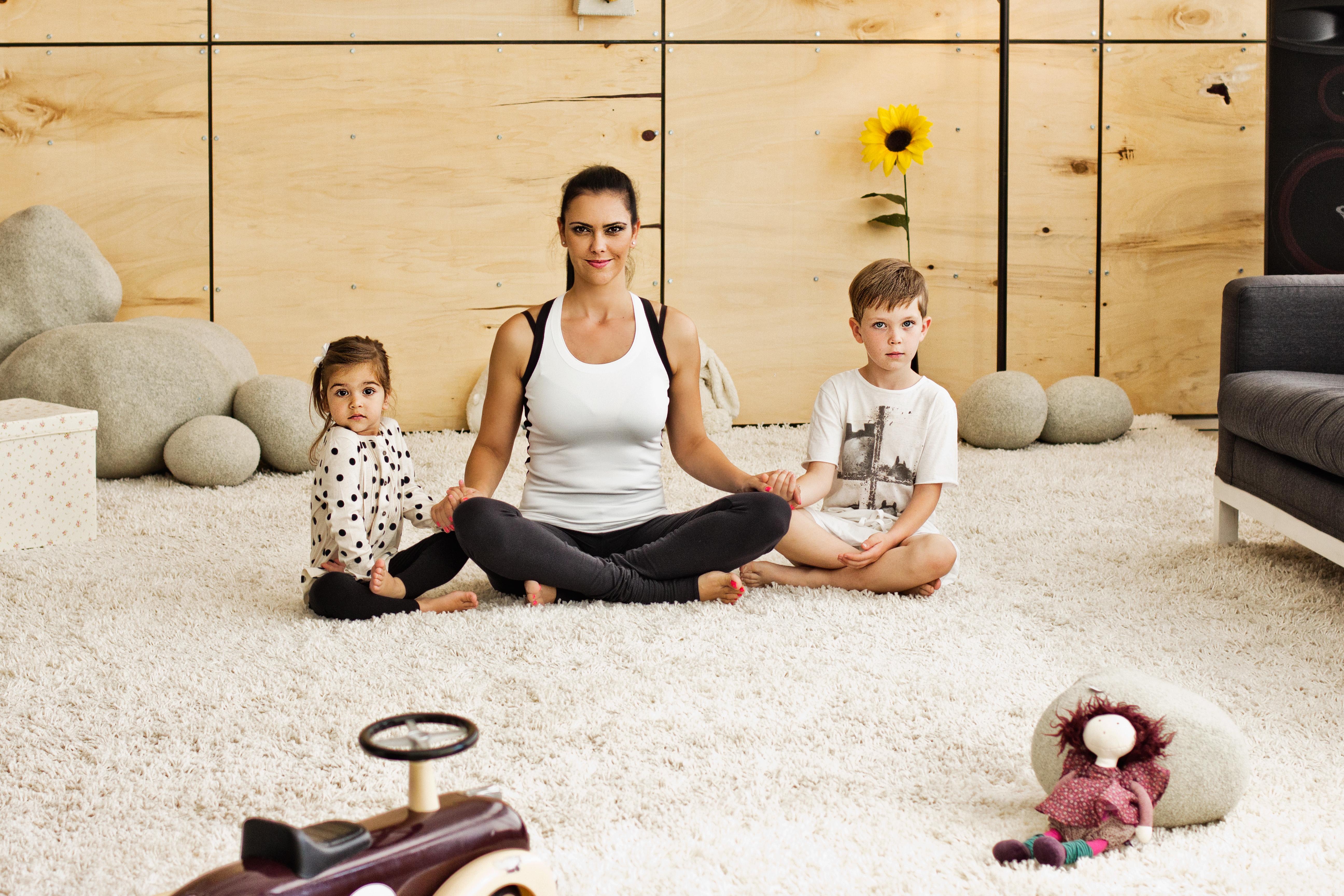 Йога учи децата да уважават себе си и околните