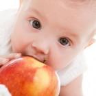Защо ябълките са добра храна за бебето?