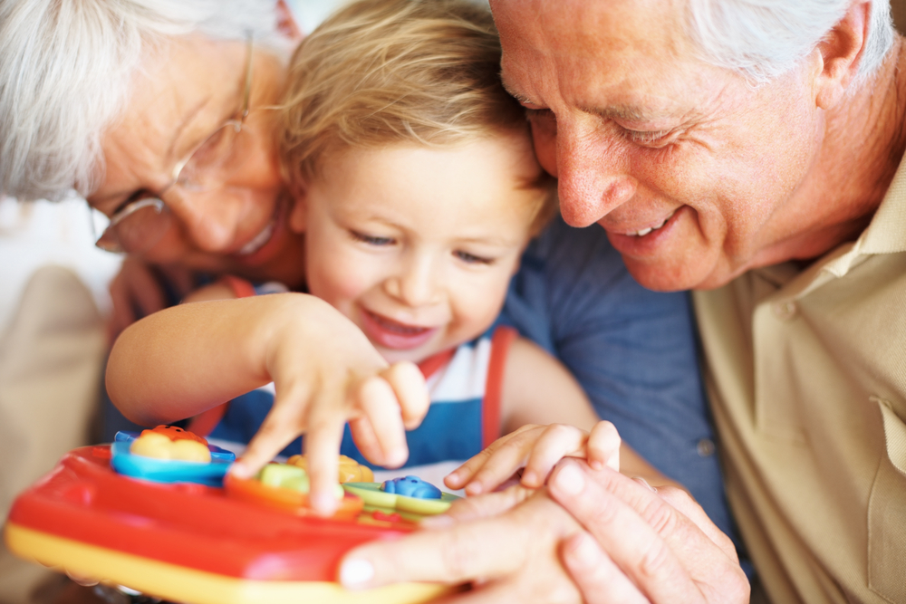 Грижите за внуците удължават живота