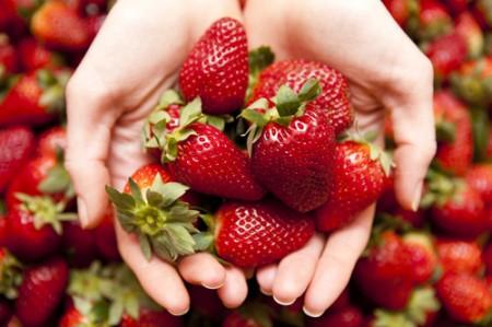 Мръсната дузина: Топ 12 на плодовете и зеленчуците, които съдържат най-много пестициди