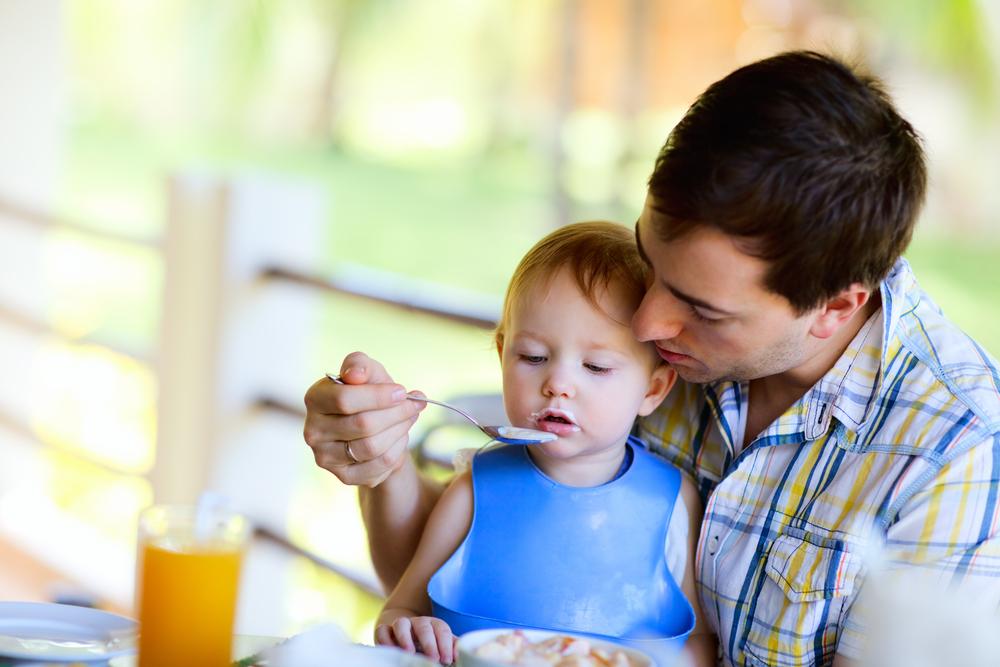 Осигуряват детегледачи за децата, които остават извън детските ясли и градини
