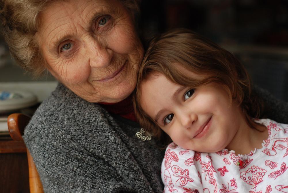 Всяка трета баба – кандидат-бавачка на собственото си внуче