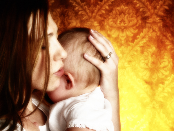 rp_mom_baby_sing_600x700.jpg