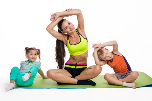 Гимнастика за мама и децата