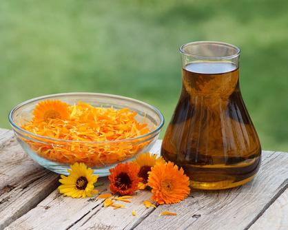 Домашно масло с невен – нежна грижа за кожата
