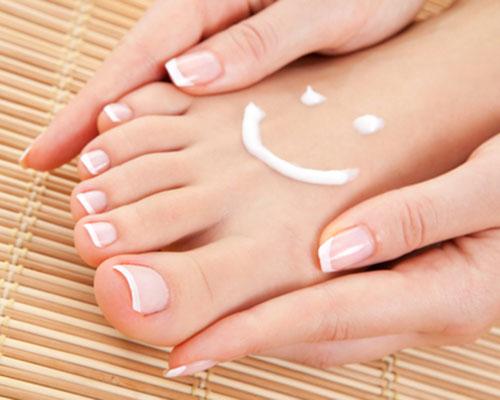 Пролетна грижа за стъпалата – масажът, който ще ви върне усмивката