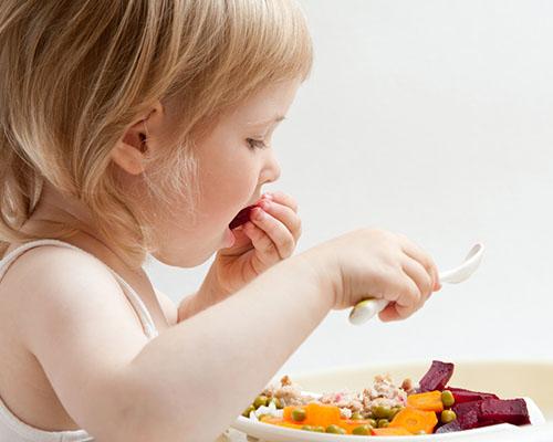 Храни, които стимулират мозъчната дейност и предпазват нервната система на децата