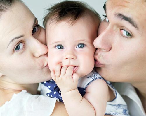 Майките са 10 пъти по-отдадени на децата от бащите