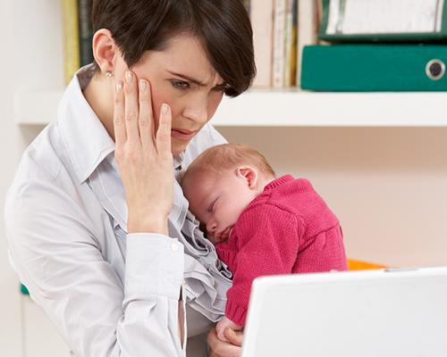 Мама работи от къщи – как най-добре да се случи това?