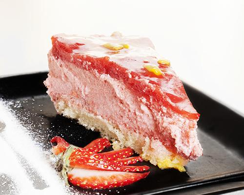 Десерт Бавароа с ягоди от Франция