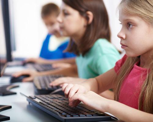 Криминализират сексуалните онлайн контакти с дете