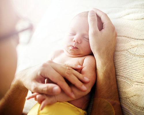 Хей, татковци!  Знаете ли, че здравето на детето ви зависи от вашето?
