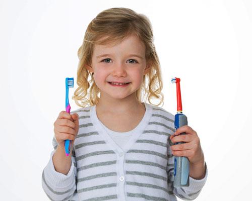 Ръчна или електрическа четка за зъби?