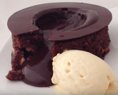 Лъжлив Лава кейк – много лесен и вкусен! (видео)