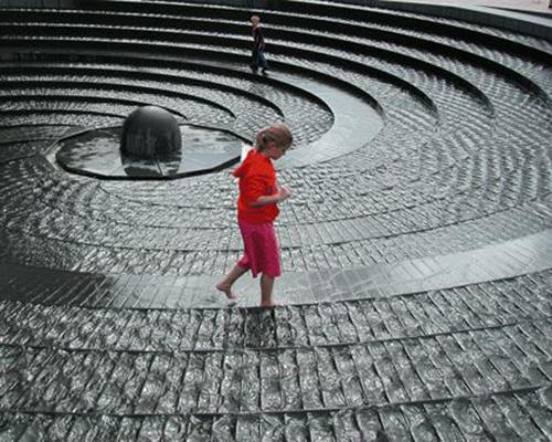 Елементална скулптура – уникалната и различна гледна точка към градската среда