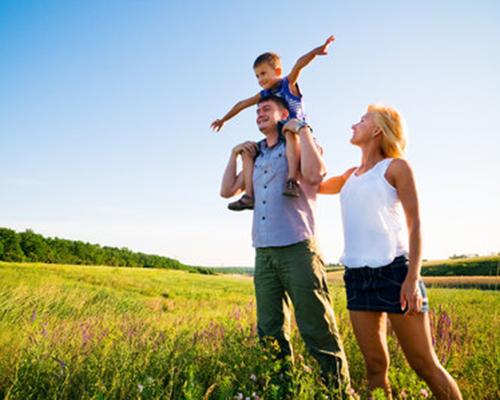 happy-family-having-fun_f_improf_