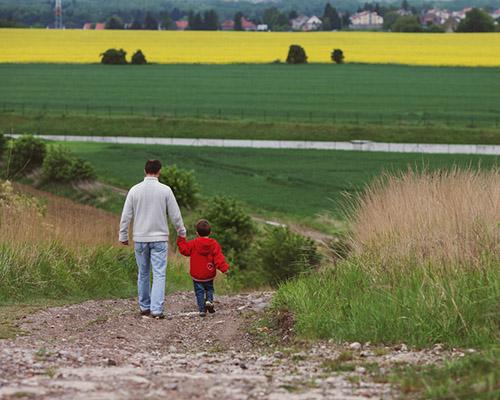 Какъв урок получи един богат баща, който искаше да покаже на сина си живота на бедните
