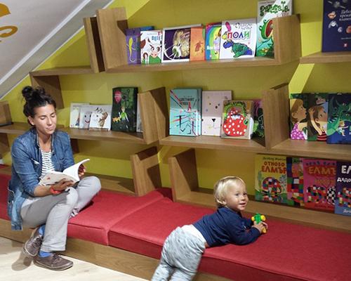 """""""Перото"""" отвори врати за големи и малки почитатели на книгата"""
