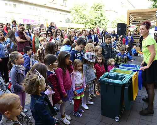 """Над 4850 деца се включиха в третата национална кампания """"Стара хартия за нова книга"""""""