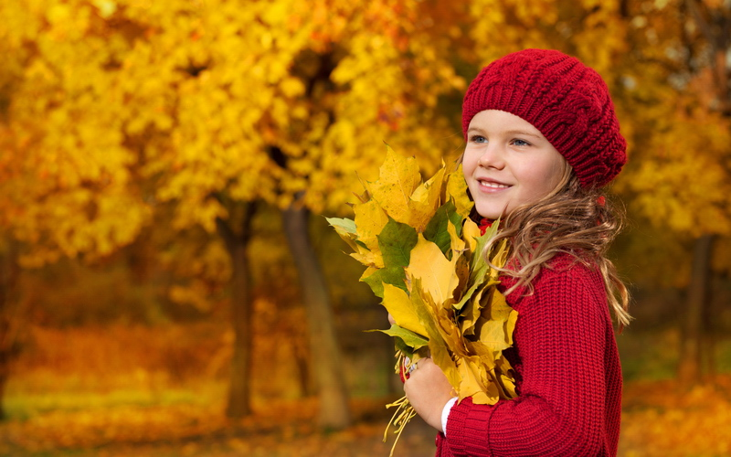 Октомври – време за златно слънце, здрави дечица, Марсианци и нов конкурс!
